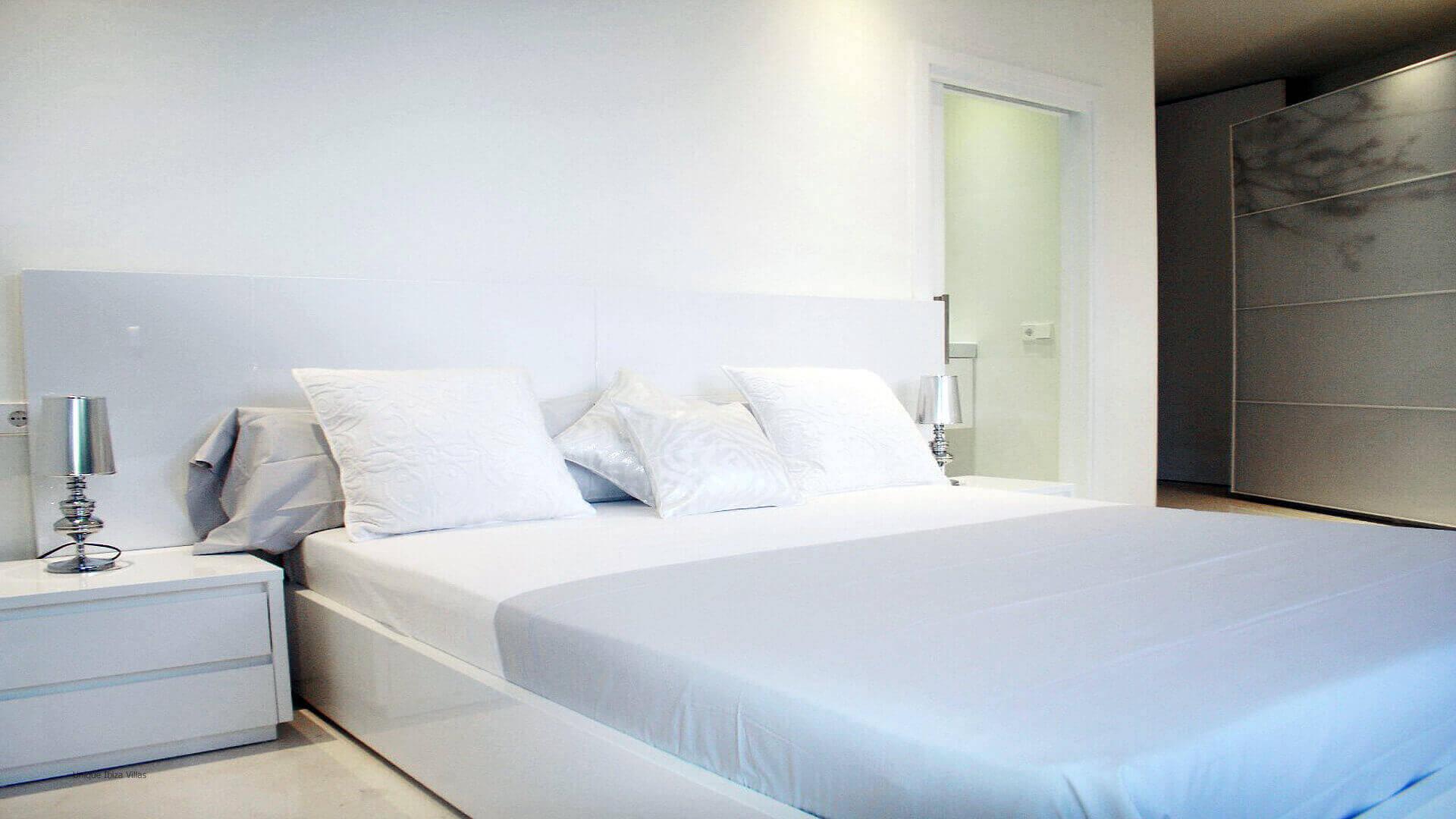 Villa-Sa-Claro-Ibiza-43-Bedroom-5
