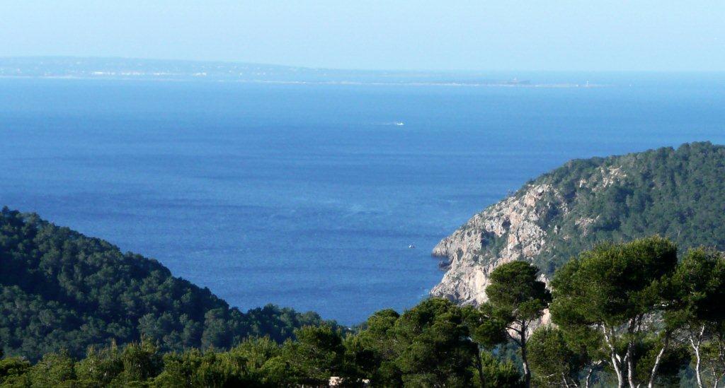 la vista sur desde la parcela con Formentera