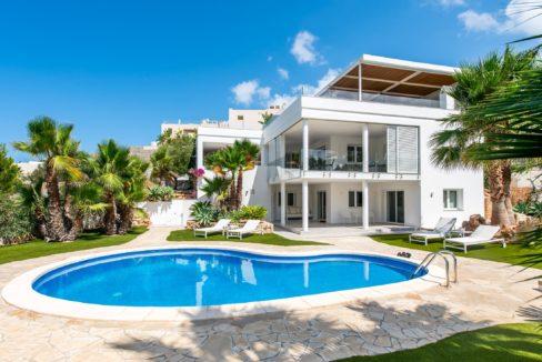 Villa de luxe avec piscine à Ibiza